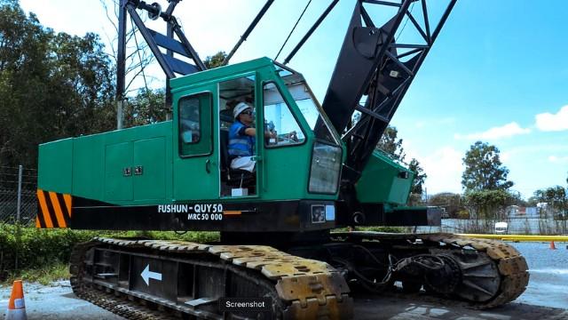 Black Betty Fushun QUY50 Black Lattice Crawler Crane